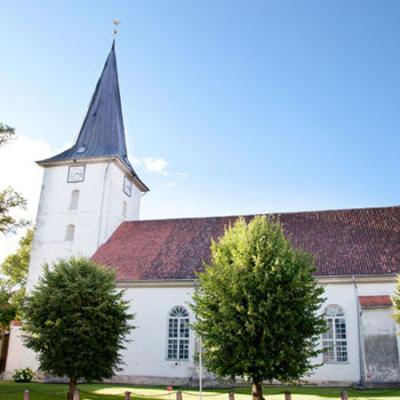 Tukuma evaņģēliski luteriskā Svētās Trīsvienības baznīca